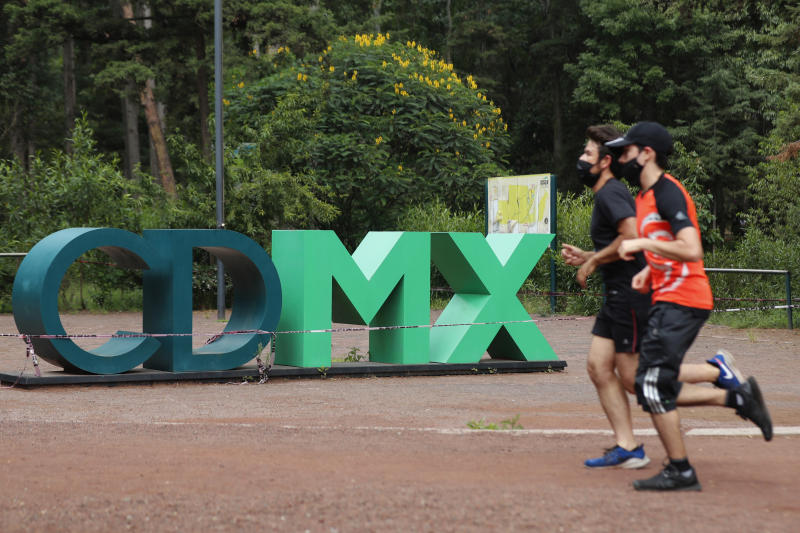 MEXICO CITY, MEXICO - JUNE 29, 2020: People wear protective masks while training at the Tlalpan Forest Sports Center, taking advantage of the reopening of the sports centers amid the new Covid-19 pandemic on June 29, 2020 in Mexico City, Mexico- PHOTOGRAPH BY Juan Carlos Williams / Eyepix Group / Barcroft Studios / Future Publishing (Photo credit should read Juan Carlos Williams / Eyepix Group/Barcroft Media via Getty Images)