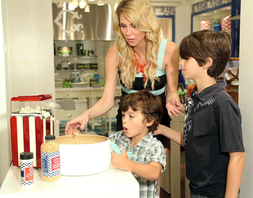 """Real Housewives of Beverly Hills"" star Brandi Glanville made a trip to the O.C. this week and checked out a few shops at Newport Beach mall Fashion Island with sons Jake, 6, and Mason, 9. (Their dad is her ex Eddie Cibrian.) Lucky for the boys, they found one that serves popcorn! (4/30/2013)"