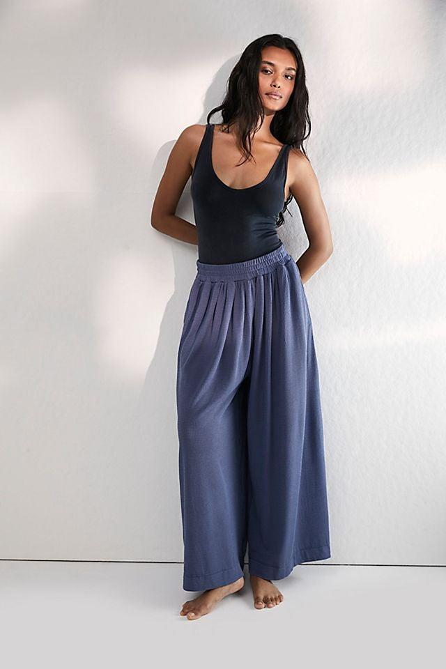 """<br><br><strong>Intimately 