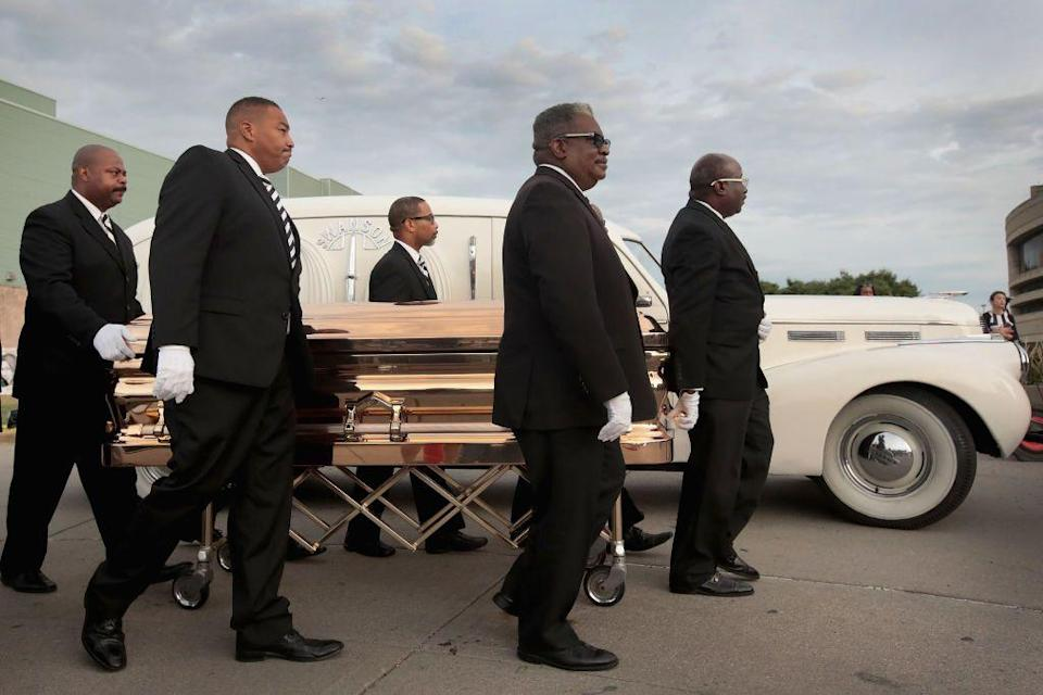 <p>Fans, friends, and family come together at the Charles H. Wright Museum of African-American History in Detroit to remember the life of Aretha Franklin as she's laid to rest at the age of 76.</p>