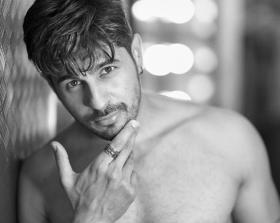 Video: Sidharth Malhotra takes fitness up a notch driving his fans berserk