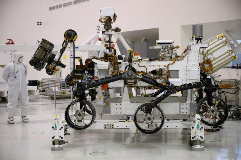 Approximately the size of a car, the Mars 2020 rover is equipped with six wheels like its predecessor Curiosity, allowing it to traverse rocky terrain