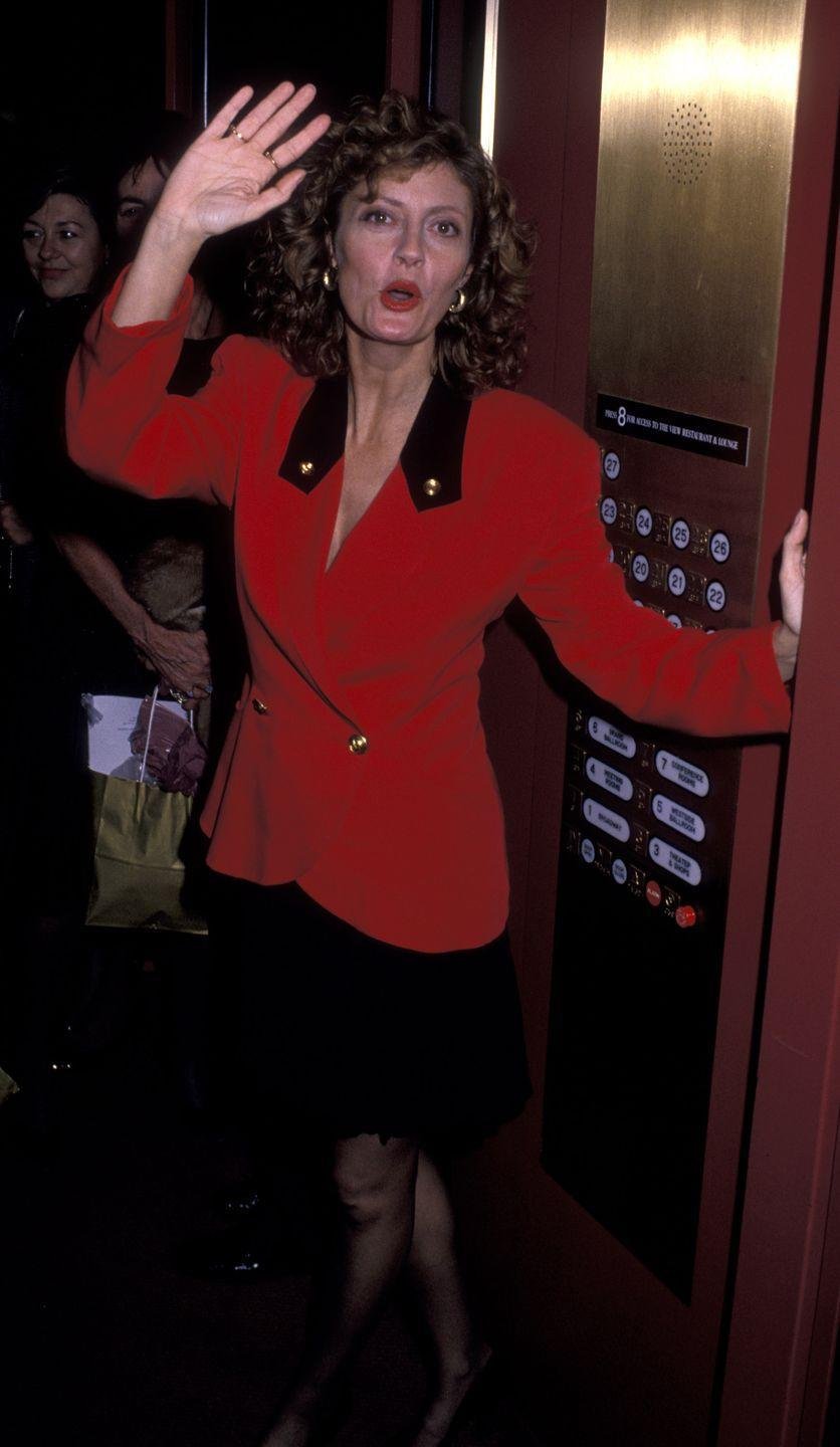 <p>Susan Sarandon brought shoulder pad sophistication to her appearance at the Woman's Sports Foundation Awards in October 1988. <br></p>