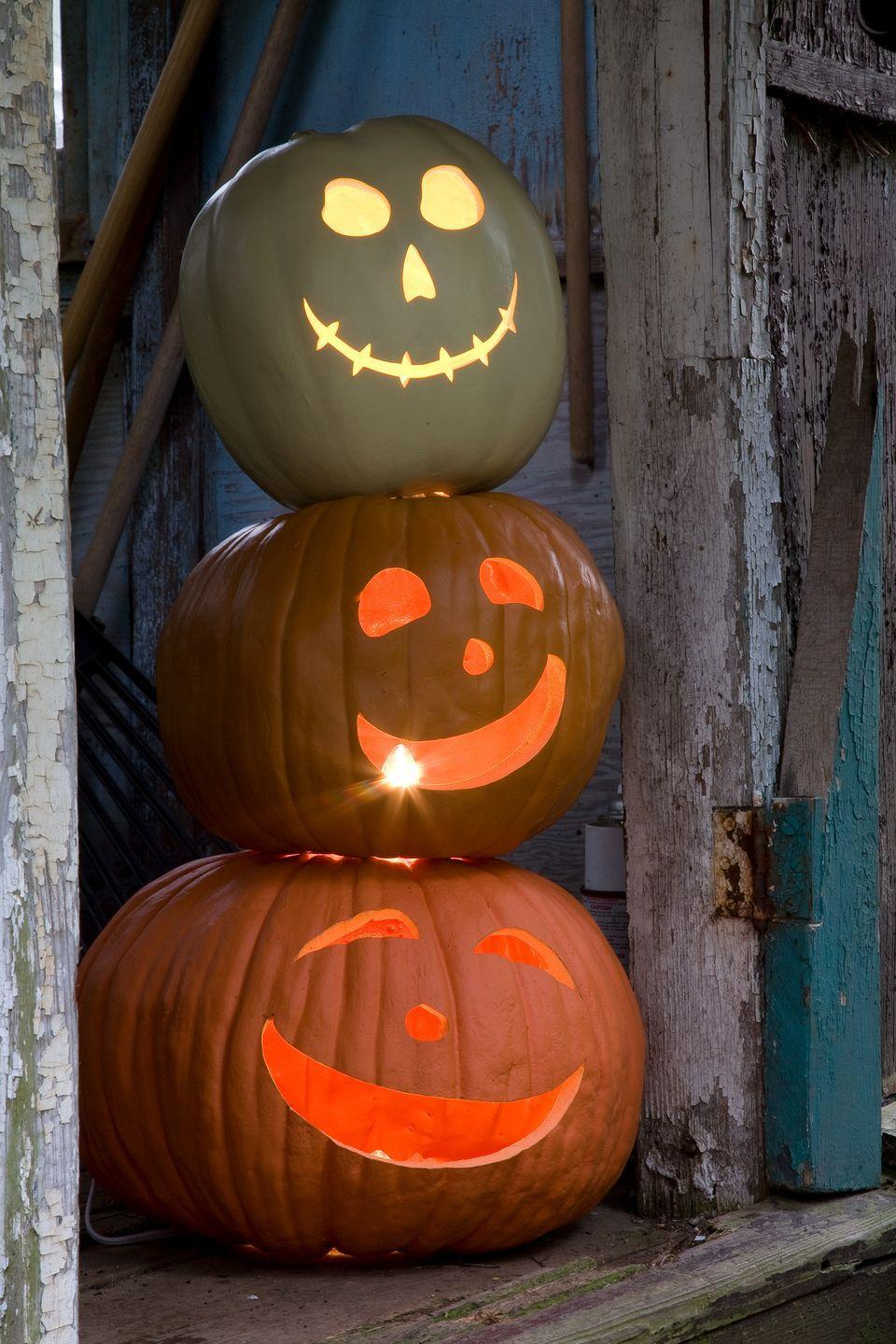 <p>Keep it simple — but still fun — by having each family member carve out their best Halloween face on pumpkins of different sizes. </p>