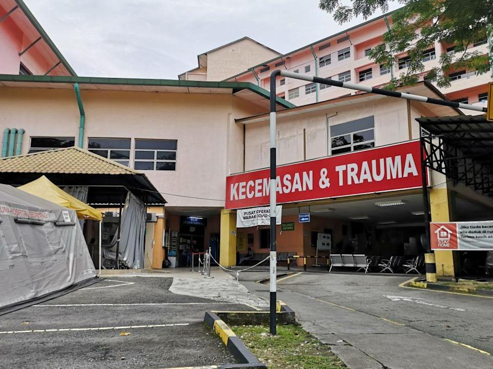 A general view of Hospital Selayang's Emergency Department July 9, 2021.According to the Health Ministry, Hospital Selayang will get an additional 450 beds for Covid-19 patients. — Picture by Shafwan Zaidon
