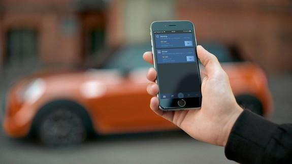 Bmw S New Smartphone Car Key Means You Better Not Lose Your Phone