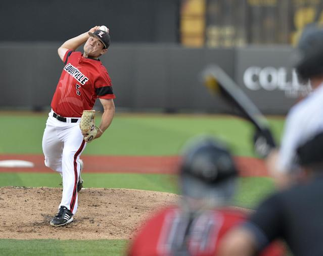 Louisville's Anthony Kidston pitches to a Kennesaw State batter during the first inning of an NCAA college baseball tournament super regional game in Louisville, Ky., Saturday, June 7, 2014. (AP Photo/Timothy D. Easley)
