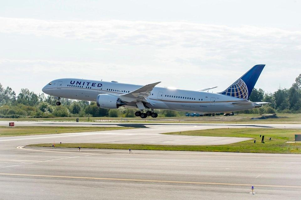 Taking off: testing will be mandatory on some United Boeing 787 flights to London (United Airlines)
