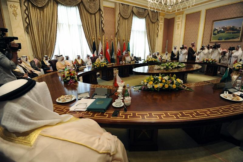 The Gulf foreign ministers take part in a meeting to discuss the war in Yemen on April 30, 2015, in the Saudi capital Riyadh, few days ahead of the summit of the Gulf Cooperation Council (AFP Photo/Fayez Nureldine)