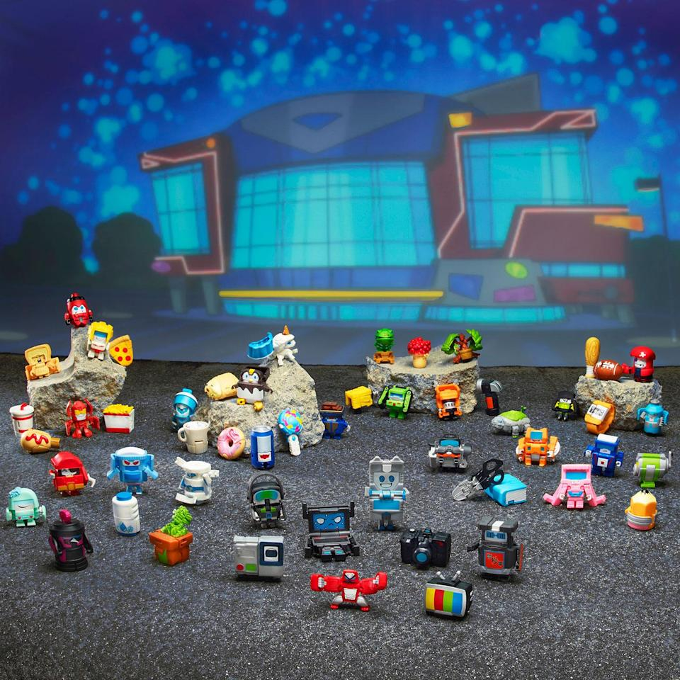 So many adorable figures to collect (Hasbro)