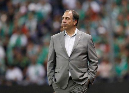 FILE PHOTO: U.S. men's national soccer team coach Bruce Arena looks on during Mexico v U.S. World Cup 2018 Qualifiers match at Azteca Stadium, Mexico City, Mexico on June 11, 2017. REUTERS/Henry Romero/File Photo