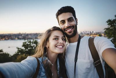 Single Canadian Muslims are looking for love online: over half (59%) could see themselves marrying someone they met via an online app or a website. (CNW Group/Hawaya)