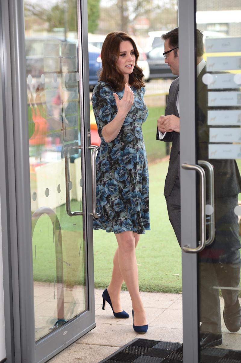 Kate Middleton in Séraphine's Florrie Printed Woven Maternity Dress in January 2018