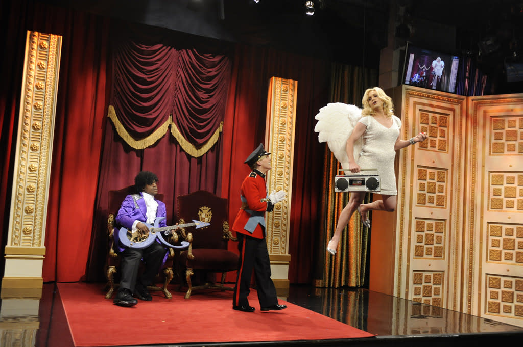 "Tracy Morgan as Tracy Jordan, Jane Krakowski as Jenna Maroney, and Will Forte as Paul in the ""Live from Studio 6H"" episode of ""<a href=""http://tv.yahoo.com/30-rock/show/37064"">30 Rock</a>."""