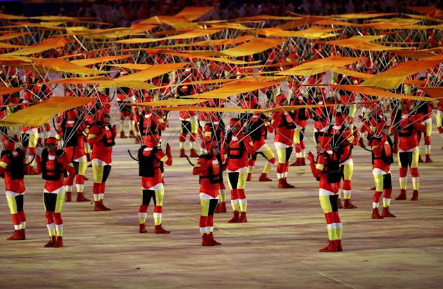 <p>Dancers perform at the 'Art of the People' segment during the Closing Ceremony on Day 16 of the Rio 2016 Olympic Games at Maracana Stadium on August 21, 2016 in Rio de Janeiro, Brazil. (Photo by Patrick Smith/Getty Images) </p>