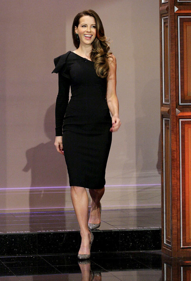 "Across the country -- at a taping of ""The Tonight Show With Jay Leno"" -- Kate Beckinsale oozed elegance in a one-shouldered Elie Saab stunner and mirrored heels. Will you check out Beckinsale, and co-stars Colin Farrell and Jessica Biel, when <a target=""_blank"" href=""http://movies.yahoo.com/movie/total-recall-2012/"">""Total Recall""</a> opens nationwide on August 3? (7/17/2012)"