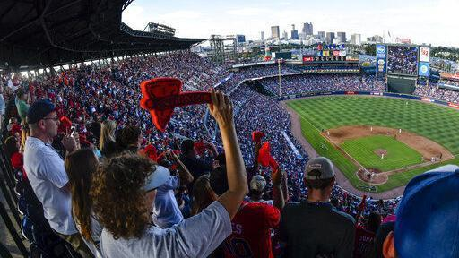 Braves ponder whether to keep tomahawk chop