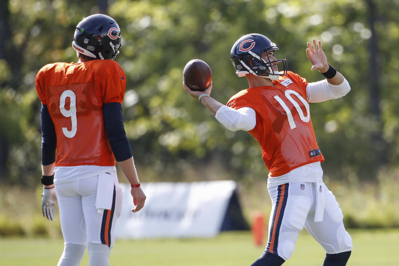 Under Center Podcast: Mitch Trubisky named Bears QB, Devin Hester interview
