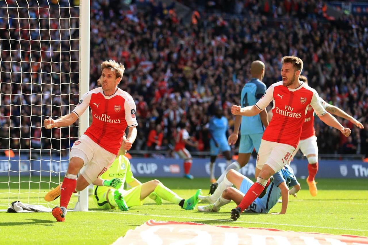 Arsene Wenger considered three-man Arsenal defence for Manchester City before Middlesbrough test