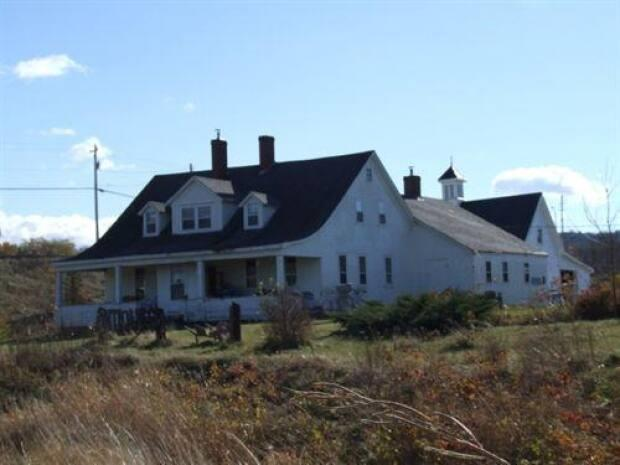 Reid House in Avonport, N.S., is shown in 2006. (Nova Scotia Department of Tourism, Culture and Heritage - image credit)