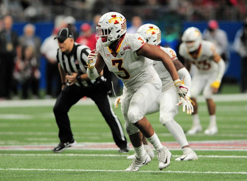SAN ANTONIO, TX - DECEMBER 28: Iowa State Cyclones DE JaQuan Bailey rushes the passer during game against the Washington State Cougars at the Valero Alamo Bowl on December 28, 2018 at the Alamodome in San Antonio, TX. (Photo by John Rivera/Icon Sportswire via Getty Images)