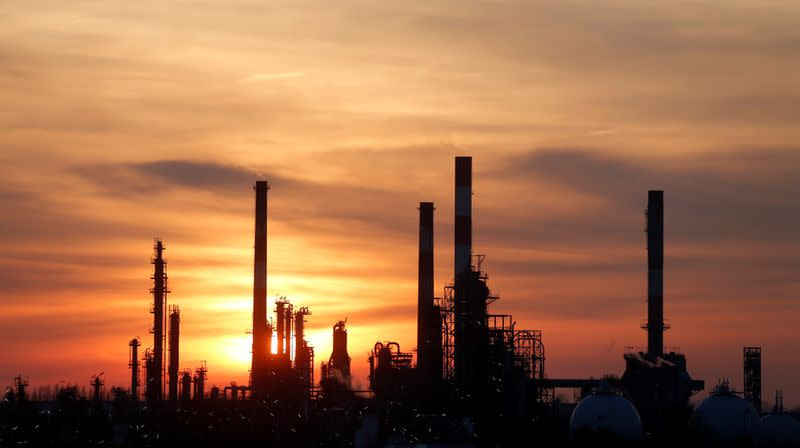 French protests disrupt output at Total's Grandpuits refinery