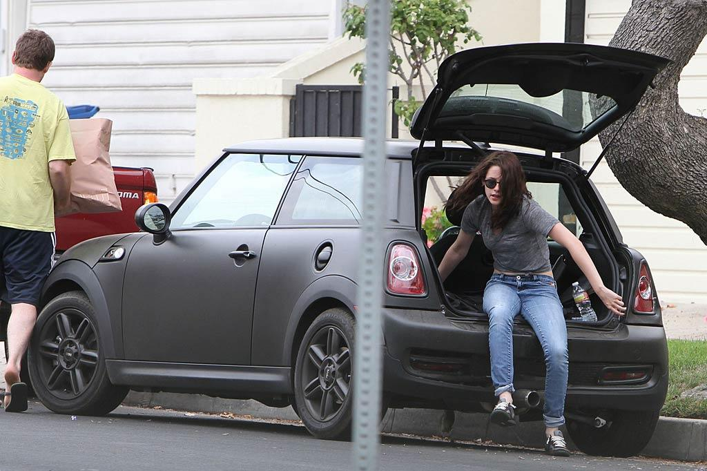 """Unfortunately, Kristen, 21, had to have her car towed. The svelte star -- who's been working out to prepare for her role in """"Snow White and the Huntsman"""" -- made sure to remove her stuff from her ride. Miguel Aguilar/Juan Sharma/<a href=""""http://www.pacificcoastnews.com/"""" target=""""new"""">PacificCoastNews.com</a> - July 14, 2011"""
