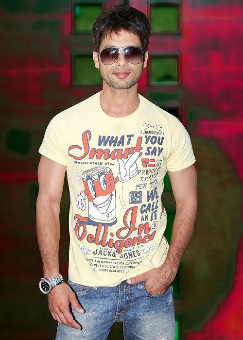 <b>3. Shahid Kapoor</b>:<br> After the bitter break up with Bebo, Shahid seems to be in the 'search' mode for his Ms. Perfect.