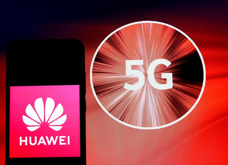INDIA - 2020/01/29: In this photo illustration a Huawei logo seen displayed on a smartphone. (Photo Illustration by Avishek Das/SOPA Images/LightRocket via Getty Images)
