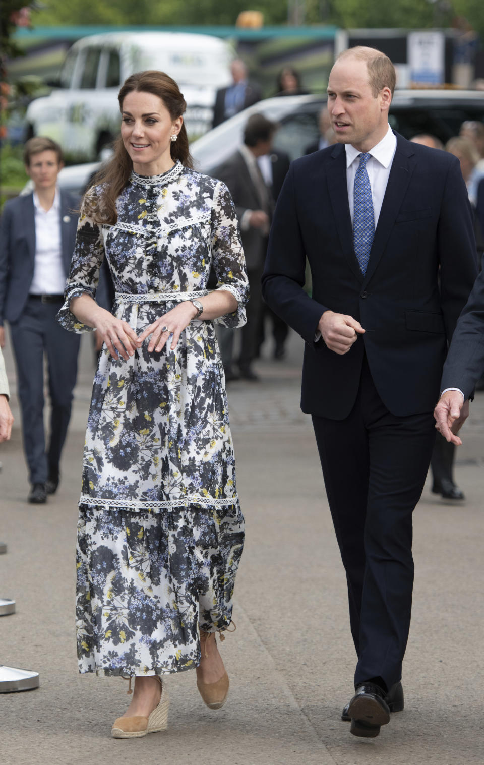 The Duchess of Cambridge and Prince William attended the RHS Chelsea Flower Show 2019 in London, England, and for the occasion Duchess Catherine wore her Castañer wedge. (Getty Images)