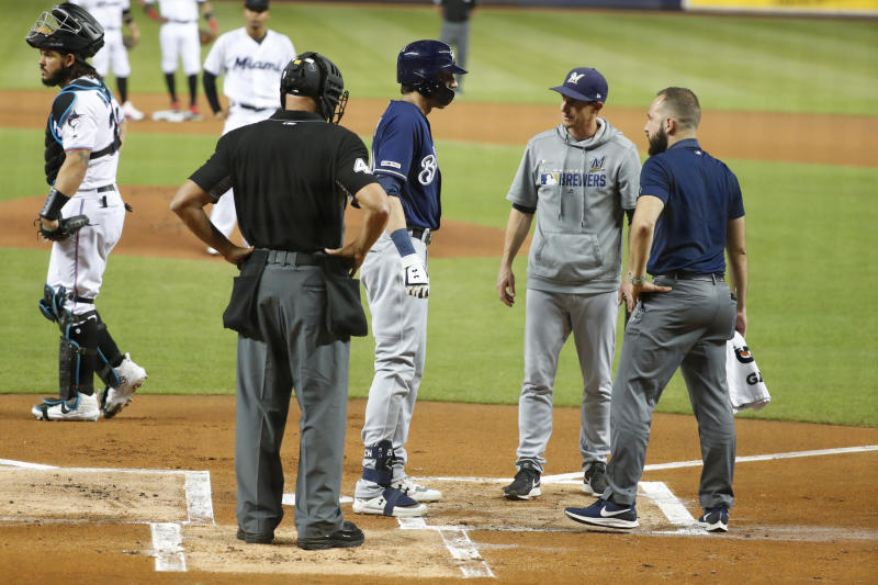 Brewers' Yelich won't need surgery, likely done for season