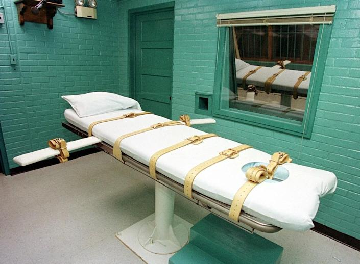 Over 1,000 inmates in US prisons have been executed since 1982 using a lethal injection, according to Amnesty International (AFP Photo/Paul Buck)