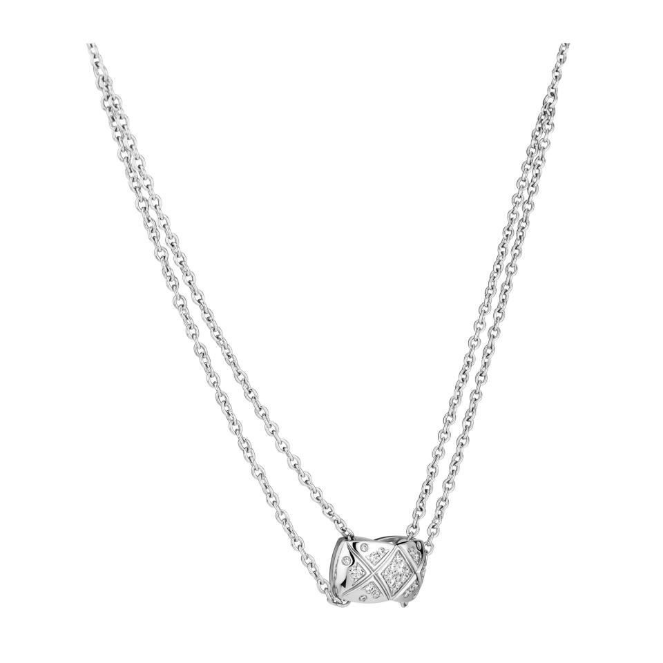 Coco Crush necklace - Quilted motif, 18K white gold, diamonds - CHANEL - Pattern view
