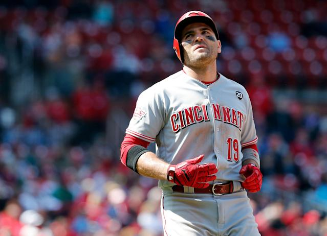 "How much does <a class=""link rapid-noclick-resp"" href=""/mlb/players/7946/"" data-ylk=""slk:Joey Votto"">Joey Votto</a> have left at age 35? (AP Photo/Jeff Roberson)"