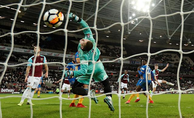 Soccer Football - FA Cup Third Round Replay - West Ham United vs Shrewsbury Town - London Stadium, London, Britain - January 16, 2018 West Ham United's Reece Burke scores their first goal Action Images via Reuters/John Sibley