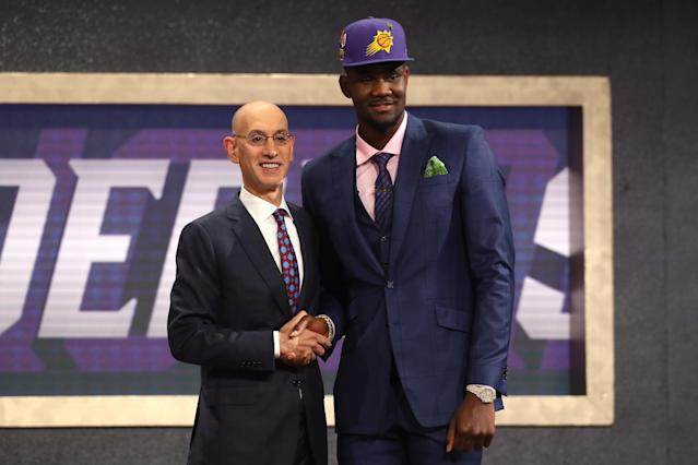 "<a class=""link rapid-noclick-resp"" href=""/ncaab/players/141127/"" data-ylk=""slk:Deandre Ayton"">Deandre Ayton</a> joins a rookie class ready to make an immediate fantasy impact (Getty Images)."
