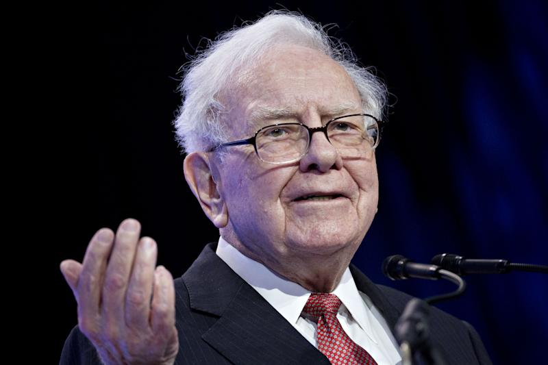 Apple Plunge Deepens Warren Buffett's Book Value Woes