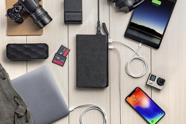detailed look b0745 bdaca Mophie's new Powerstation can now recharge phones and laptops