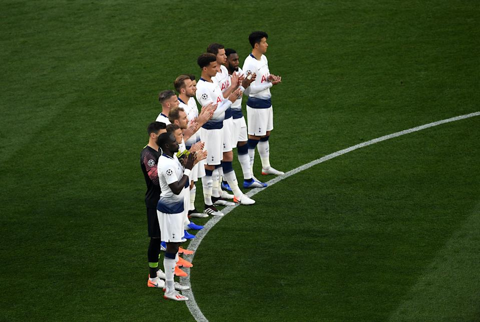 Tottenham Hotspur's players observe a moments applause in memory of Jose Antonio Reyes who died earlier today during the UEFA Champions League Final at the Wanda Metropolitano, Madrid. (Photo by Joe Giddens/PA Images via Getty Images)