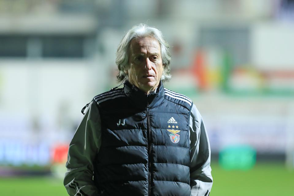 Jorge Jesus of SL Benfica during the Portuguese Cup match between Club Football Estrela da Amadora and SL Benfica at Estadio Jose Gomes on January 12, 2021 in Amadora, Portugal. (Photo by Paulo Nascimento/NurPhoto via Getty Images)