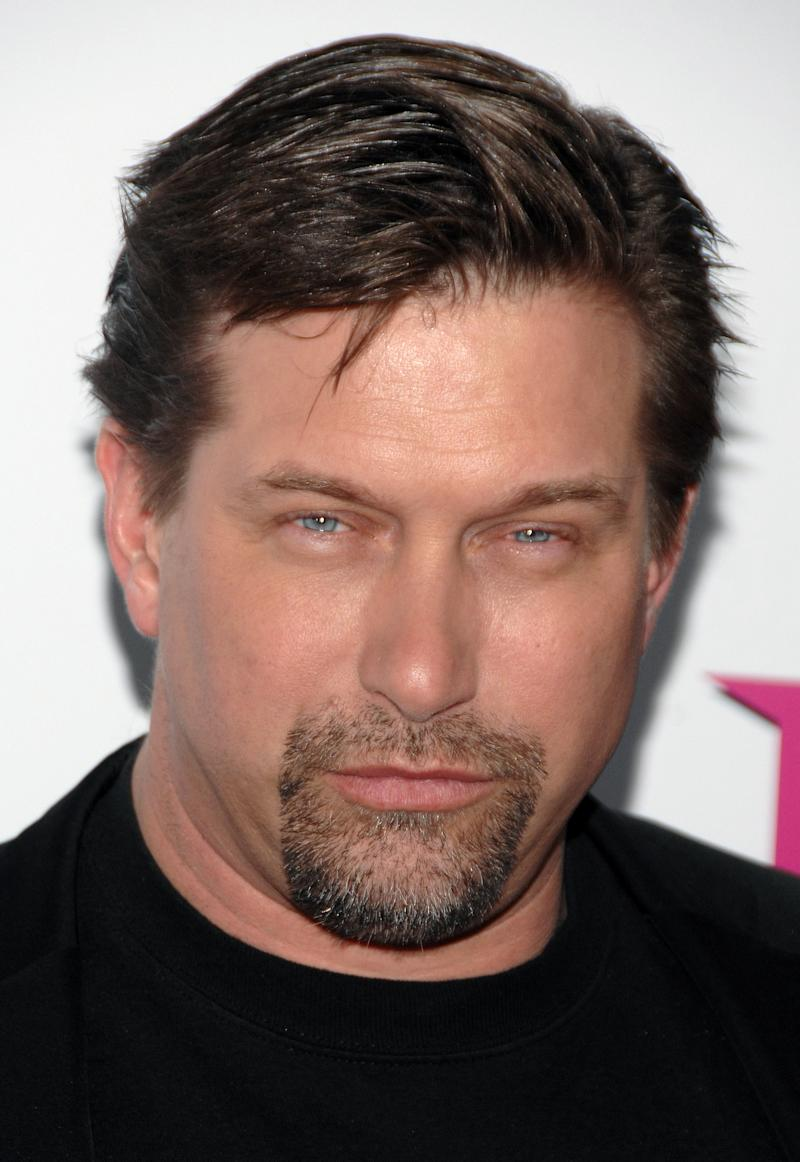 """FILE - In this Feb. 3, 2009 file photo, actor Stephen Baldwin arrives at the premiere of """"The Pink Panther 2"""" at the Ziegfeld Theatre. Baldwin is suing Kevin Costner over their investments in a device that BP used to try to clean up the massive Gulf oil spill. A federal lawsuit filed Wednesday, Dec. 22, 2010 in New Orleans by Baldwin and a friend claims Costner and a business partner duped them out of their shares of an $18 million deal for BP to buy oil-separating centrifuges from a company they formed after the April 20 spill. (AP Photo/Peter Kramer, File)"""