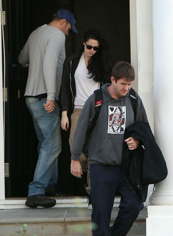 Robert Pattinson 'Missing London, Planning To Move Home To UK Following Kristen Stewart Split'