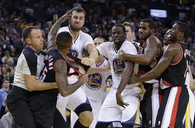 Andrew Bogut, Mo Williams suspended 1 game, 3 others fined for roles in Warriors-Blazers fight (Video)
