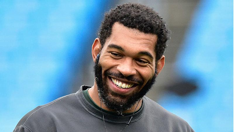 Panthers DE Julius Peppers returning for 17th NFL season