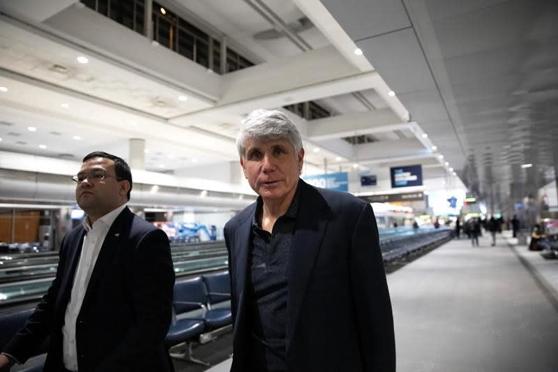 Ex-Gov. Blagojevich returns to Chicago, maintains innocence