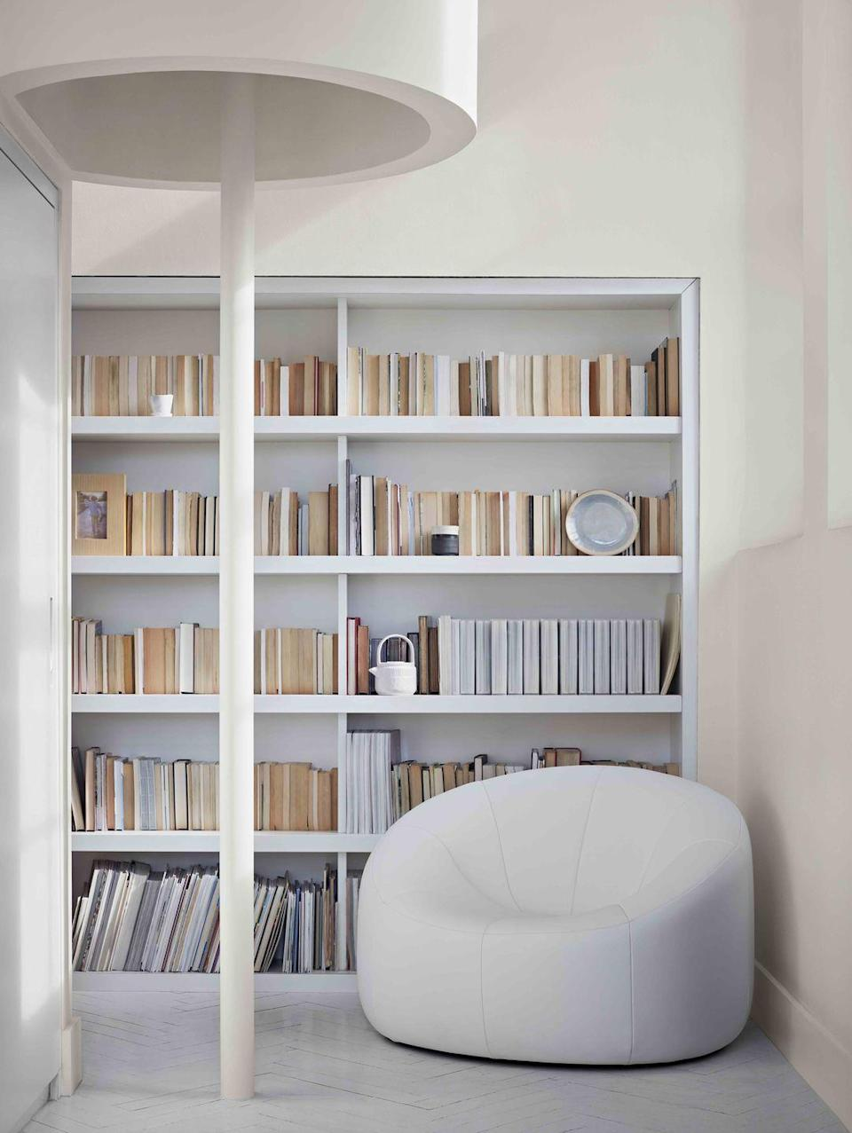 "<p>As we all know, picking the right shade of white paint is a fine art. For a library space try a white with a beige undertone, such as '<a href=""https://www.crownpaints.co.uk/products/elle-decoration-by-crown/powder---flat-matt/highlight-no.-514/18100"" rel=""nofollow noopener"" target=""_blank"" data-ylk=""slk:Highlight"" class=""link rapid-noclick-resp"">Highlight</a>' from the ELLE Decoration by Crown collection. It will complement rather than fight with the aged paper of the your burgeoning book collection. </p>"