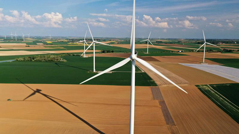 Global wind, solar energy production jumps during Covid crisis