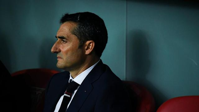 Reports that Ernesto Valverde has told Athletic Bilbao he is leaving - amid links to Barcelona - are wide of the mark, the coach insists.