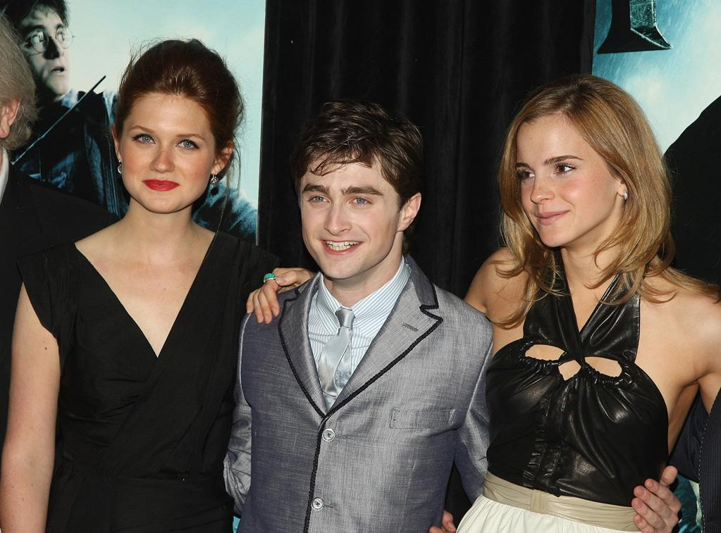 """<a href=""""http://movies.yahoo.com/movie/contributor/1808408966"""">Bonnie Wright</a>, <a href=""""http://movies.yahoo.com/movie/contributor/1802866080"""">Daniel Radcliffe</a> and <a href=""""http://movies.yahoo.com/movie/contributor/1802866081"""">Emma Watson</a> at the New York premiere of <a href=""""http://movies.yahoo.com/movie/1809791044/info"""">Harry Potter and the Half-Blood Prince</a> - 07/09/2009"""