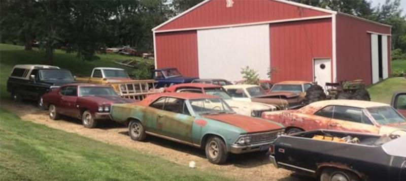 video huge barn find of american muscle cars unearthed in iowa. Black Bedroom Furniture Sets. Home Design Ideas